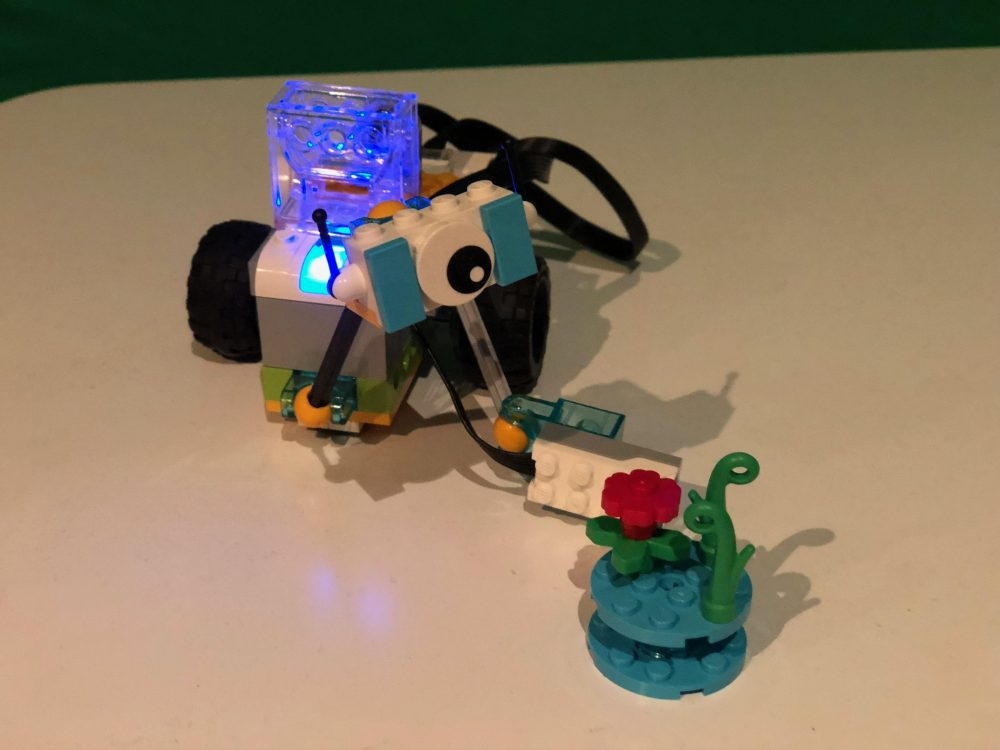 LEGO WeDo 2.0 for Junior Students